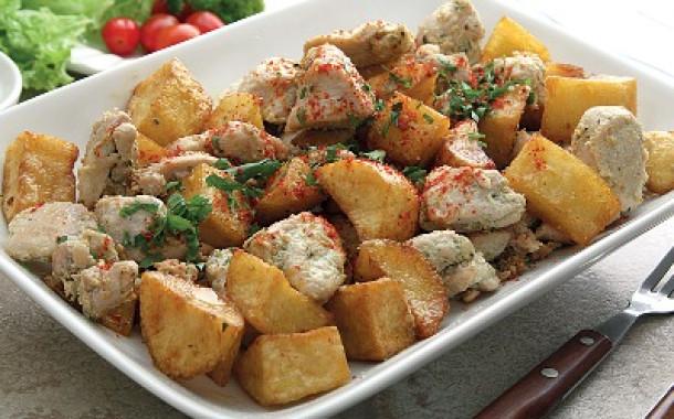 سلطة الدجاج مع البطاطا إليك طريقة التحضير