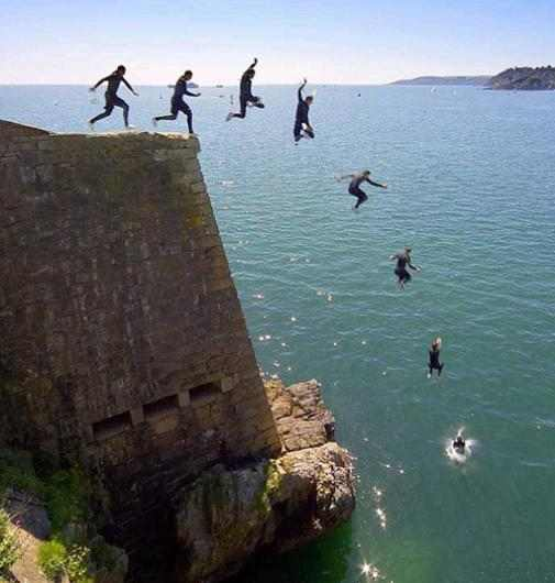القفز بالتتابع من ارتفاع 60 متر