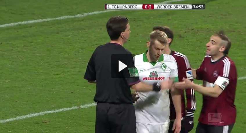 بالفيديو .... من نوادر ملاعب كرة القدم لاعب يرفض ضربة الجزاء