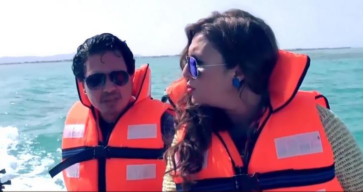 بالفيديو .. مرعب ومضحك جداً محمد رياض و رانيا ياسين في رامز قرش البحر