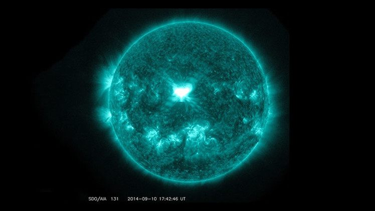 عاصفة شمسية حادة تقترب من كوكب الأرض