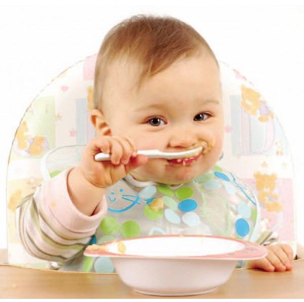 نصائح تفيدك في تغذية طفلك الرضيع