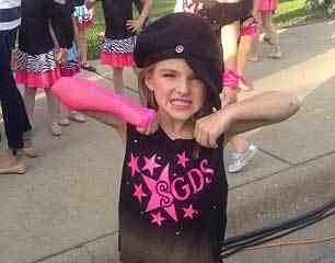 نجاة طفلة إثر تحطم طائرة أهلها وسط الغابات
