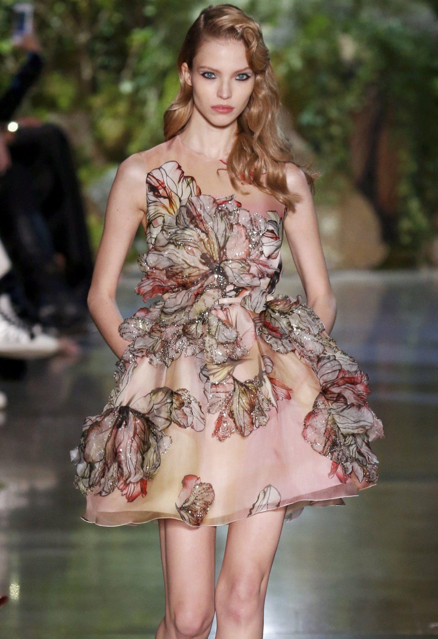 عرض أزياء المصمم إيلي صعب لخريف وصيف 2015