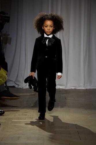 أزياء للأطفال الصغار