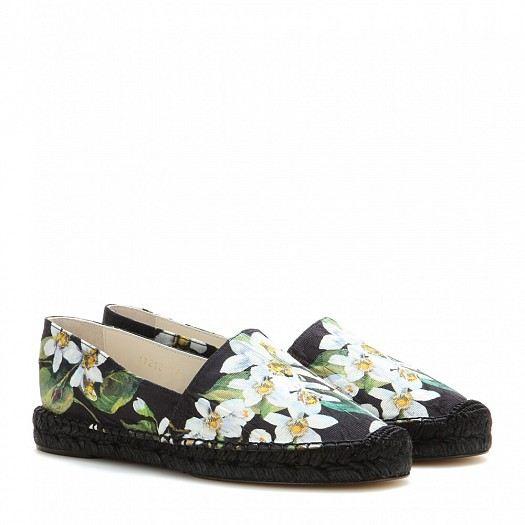 57a10c5c9 أحذية دولتشي اند غابانا تشكيلة مميزة من الأحذية المريحة تشكيلة مميزة من الأحذية  المريحة تشكيلة مميزة من الأحذية المريحة