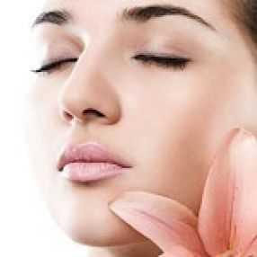 خلطات طبيعية وبسيطة لتسمين الوجه
