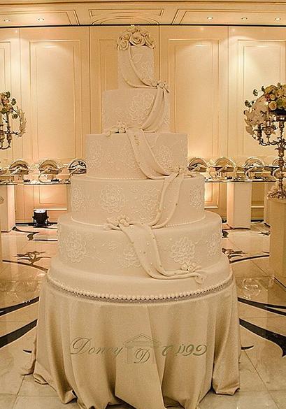 كعكة الزفاف doney