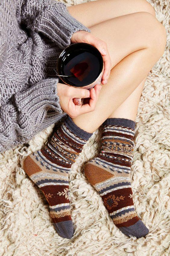 جوارب نسائية أنيقة و جميلة
