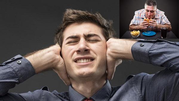 هل تنزعج من صوت مضغ الطعام ؟ اكتشف السر العلمي وراء ذلك