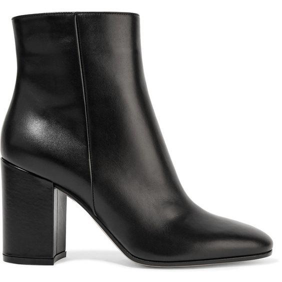 أحذية شتوية باللون الأسود للنساء